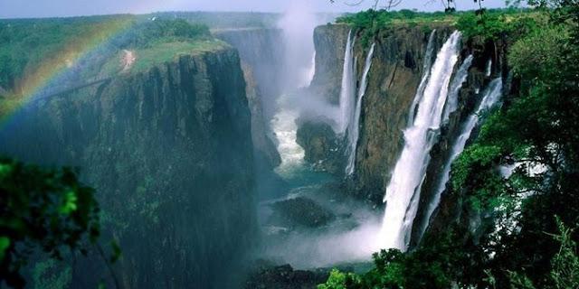 Sungai Zambezi, Zambia dan Mozambik