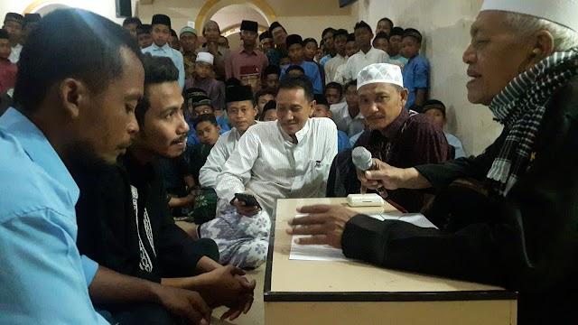 Orang Surabaya Masuk Islam di Ponpes Karangasem