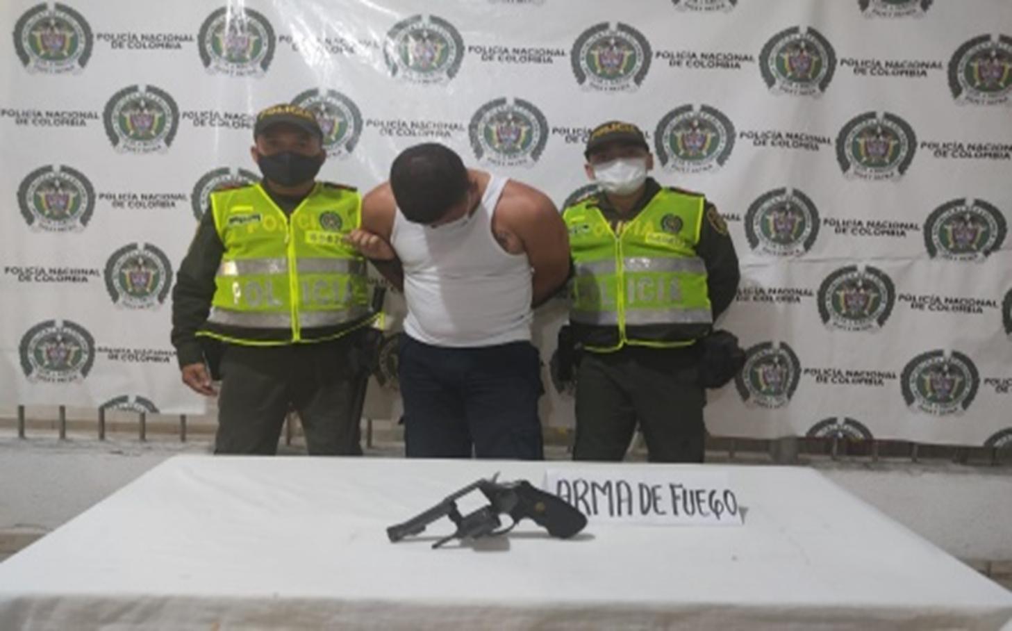 https://www.notasrosas.com/Capturado por hurtar joyas avaluadas en 38 millones de pesos en la Ciudadela Comfacesar, de Valledupar
