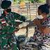 Untuk Pastikan Kondisi Kesehatan Masyarakat, Satgas Yonif RK 744 Patroli  di Perbatasan