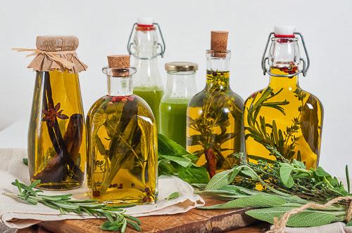 Оливковое масло с травами и специями, или полезный подарок на Новый Год своими руками