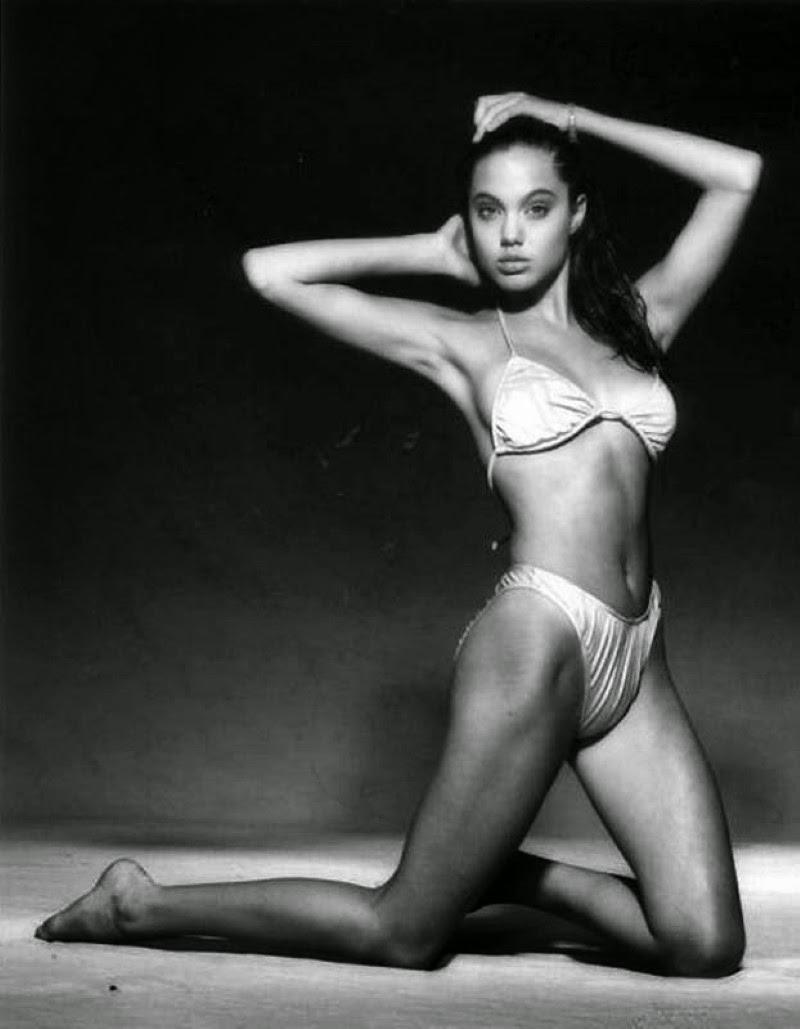 Angelina Jolie Bikini 71