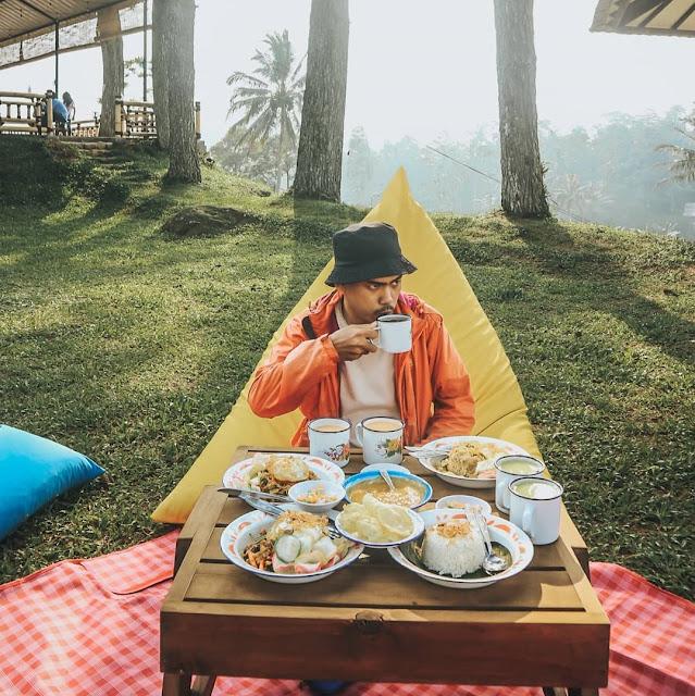 Tempat Makan Lesehan di Bogor yang Enak dan Murah