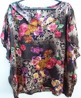 Blusa feminina floral tamanho M