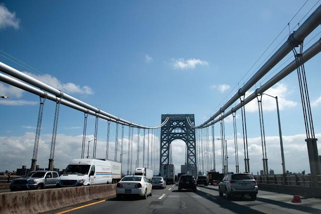 Joven se lanzó del puente Washington en NY