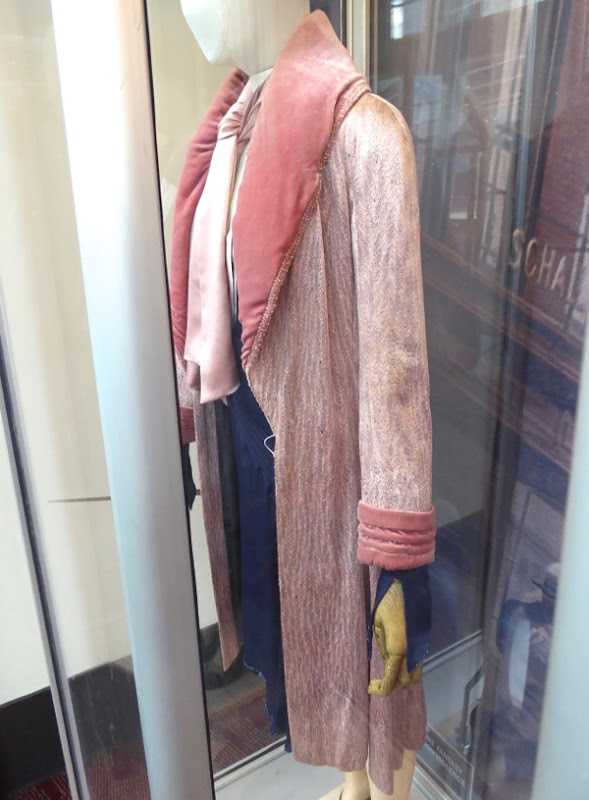 Queenie Goldstein Fantastic Beasts costume detail