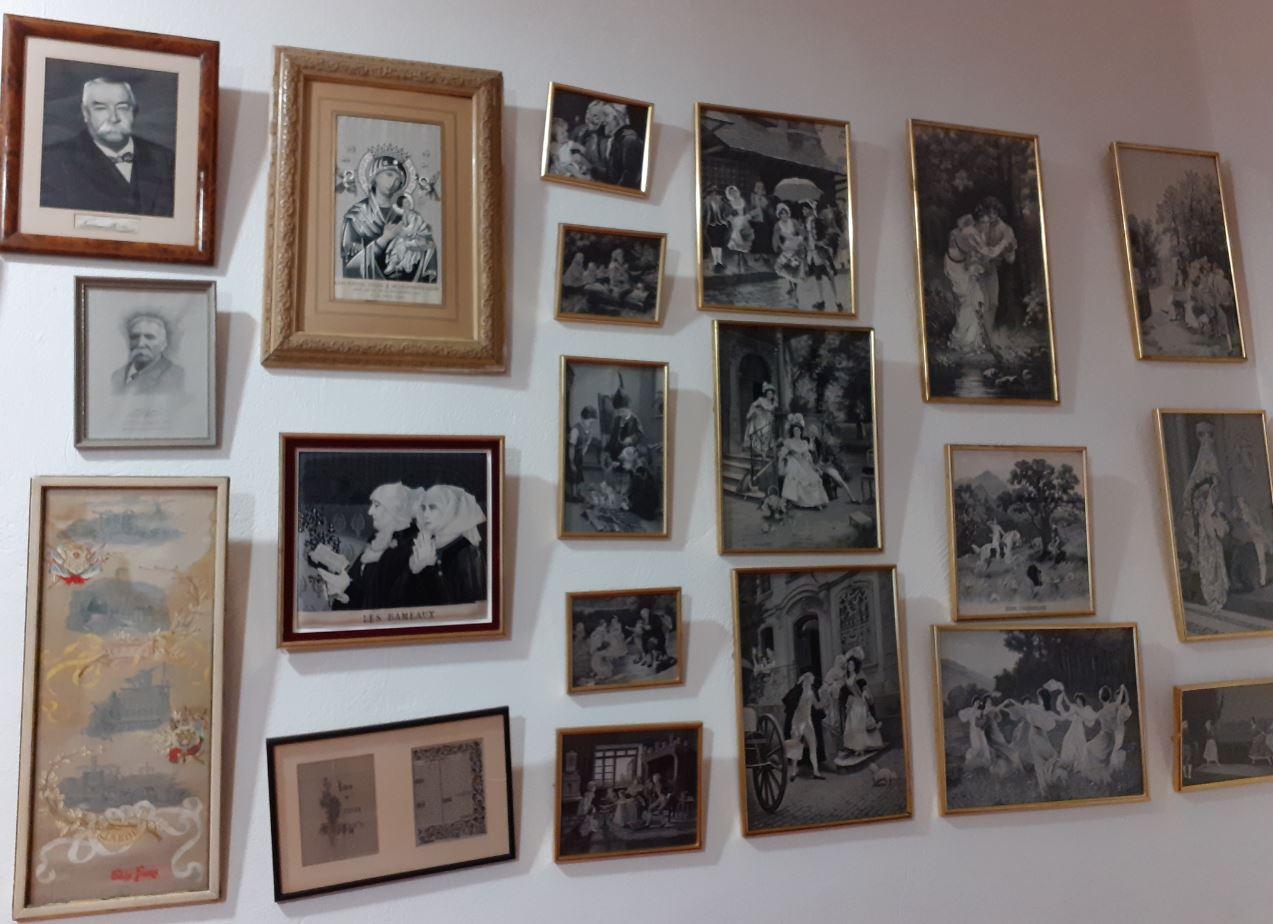 """La salle des portraits """"tissés"""" de personnalités - Musée des canuts"""