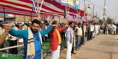 pagari muslim india ketika sholat jumat