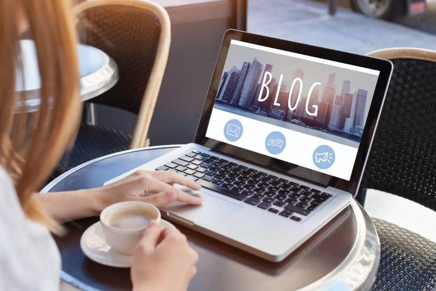 5 Advantages of Blogging for Marketing