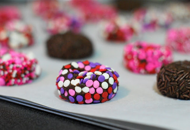 How to Make Chocolate Valentine Kiss Cookies Image