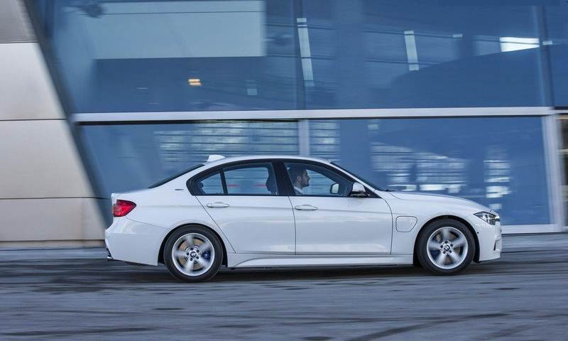 2017 Bmw 330e Iperformance Review