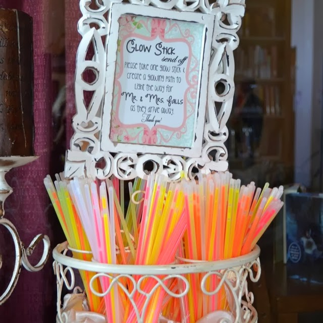"""Let Love Glow Wedding Idea Searching For Diy Wedding Ideas: Everything Wedding DIY: Want Your Guests To Say... """"That"""
