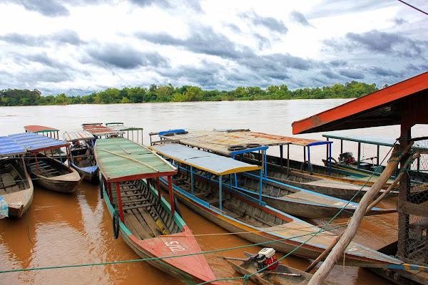Barcos en las 4000 islas del Mekong