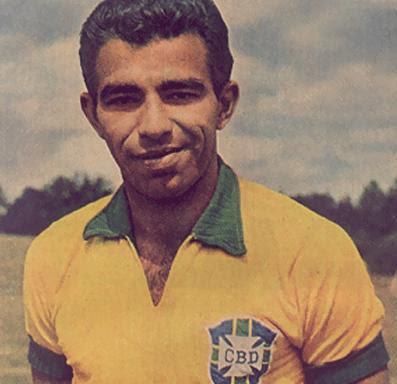 Los Goleadores de los mundiales de Futbol Fifa Vida y obra-http://1.bp.blogspot.com/-rx2rnw6lyB0/Td06H3fCUBI/AAAAAAAAD7U/1Z5vjKNwTNo/s400/vava.jpg