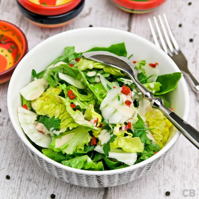 Recept: zo maak je zelf een kruidige salade met venkel en een ketjapdressing