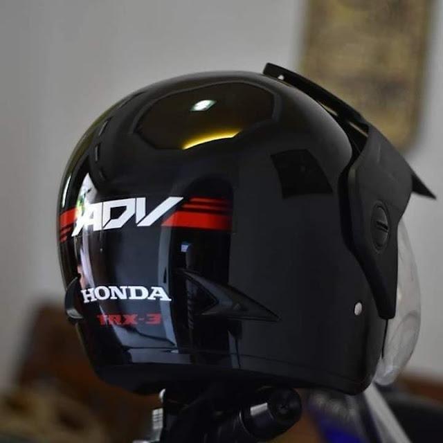Helm ADV 150 Belakang