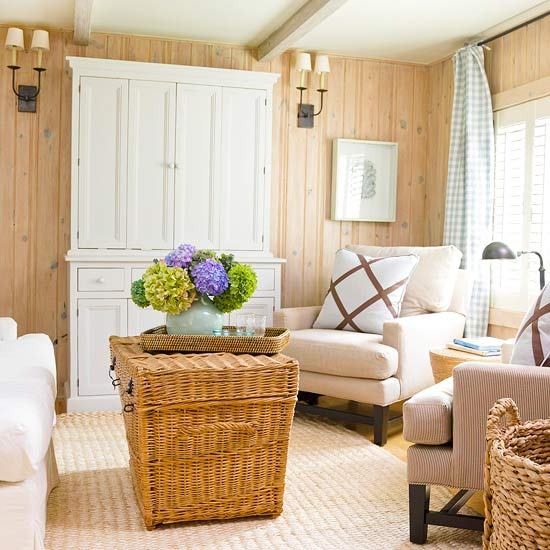 Cozy Dark Living Room: Parkdale Ave.: A Cozy Cottage Living Room