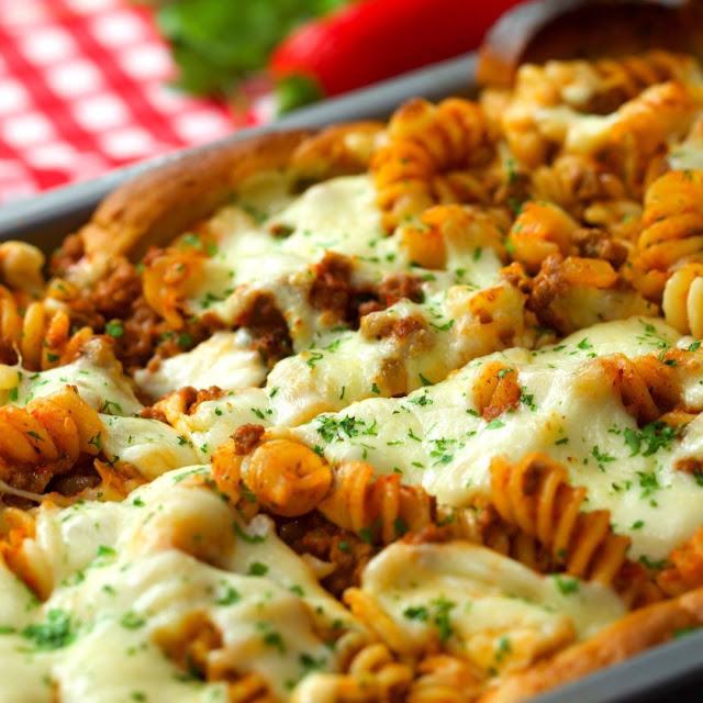 Garlic Bread Pasta Pie recipe