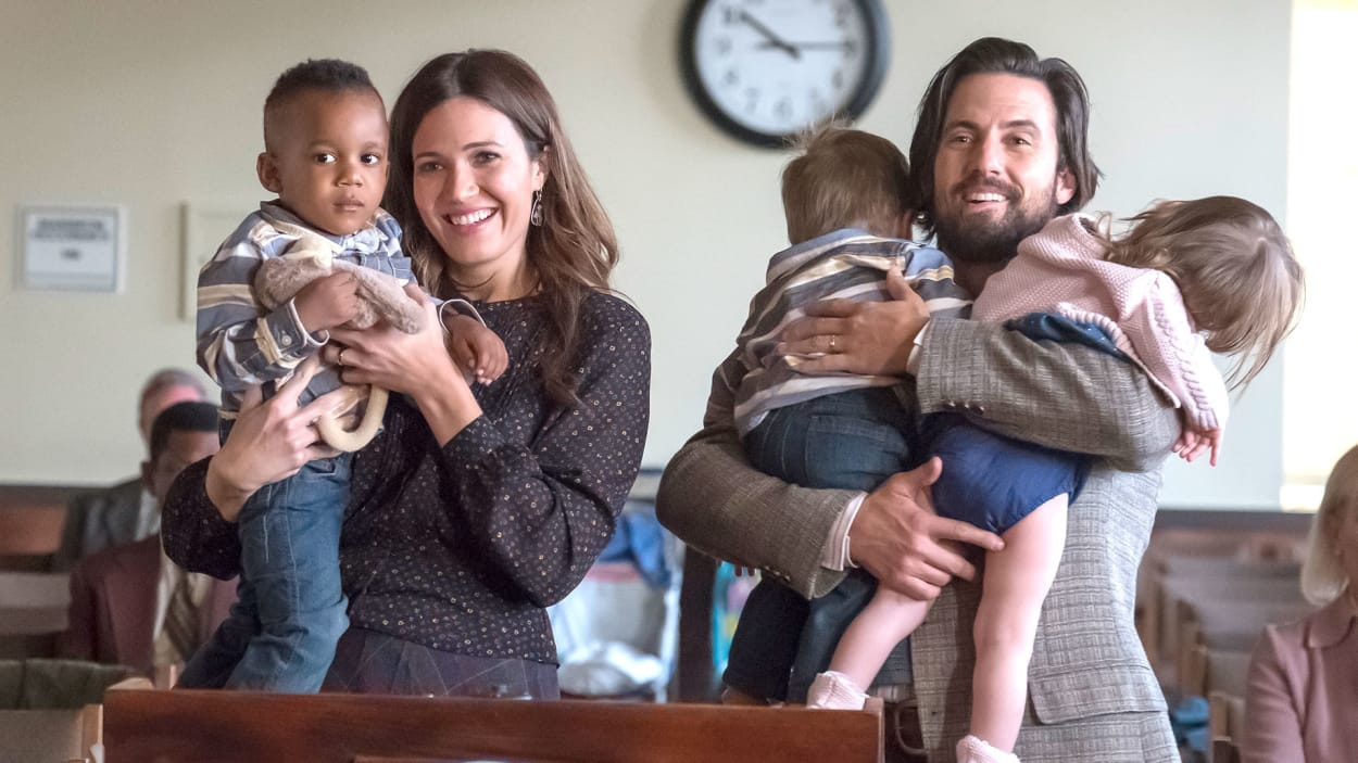Jack, Rebecca y sus tres hijos en 'This Is Us'