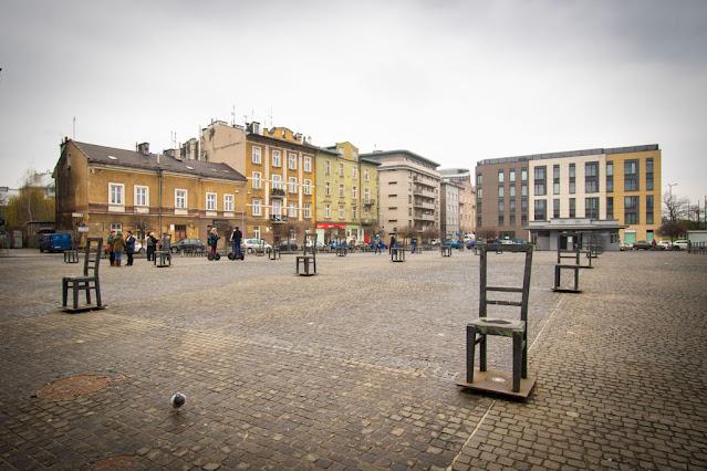 Monumento delle sedie-Podgorze--Cracovia