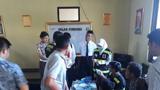 Sat Narkoba Polres Cirebon Jalani Tes Urin