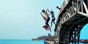 Gambar Jembatan Cinta di Pulau Tidung