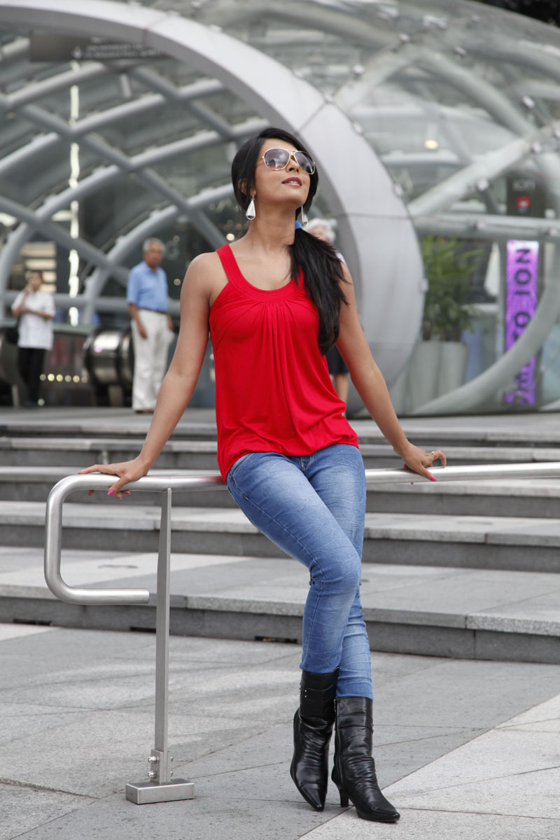 superb and elegant Radhika apte in tight jeans latest stylish and trendy photos gallery