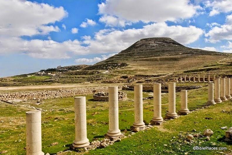 Istana Dan Makam Raja Herod Di Yudea