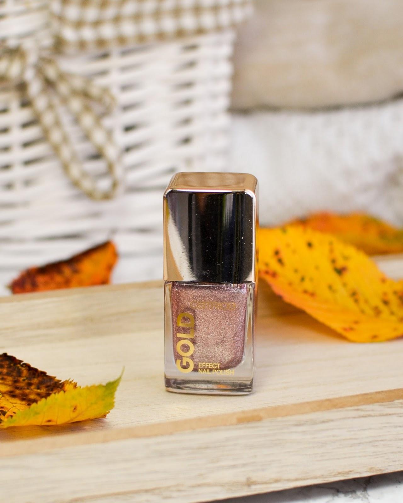 Catrice Gold Effect Nail Polish 02 Fascinating Grace