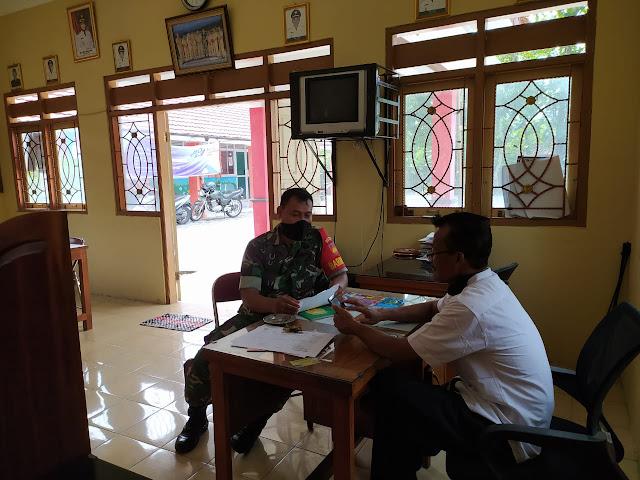 Babinsa Mendata Pemudik Di Wilayah Desa Gentan Kecamatan Gantiwarno