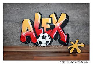 letras de madera infantiles para pared Alex graffiti con balón babydelicatessen