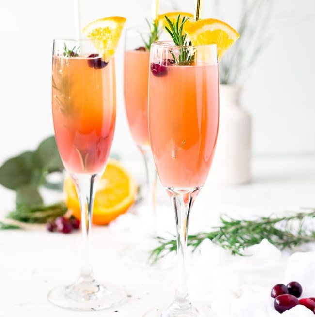 Cranberry Orange Mimosas #cocktail #drink