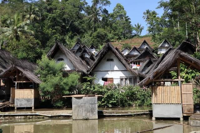 Belajar Makna Hidup di Kampung Naga Tasikmalaya