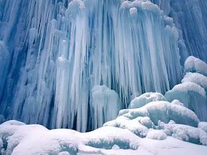 Sfondi di montagna con neve