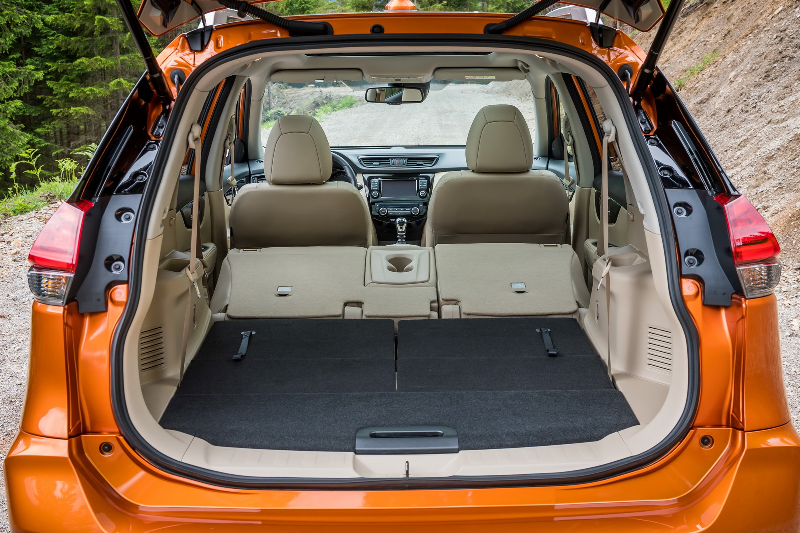 Updated 2017 Nissan X-Trail Ready To Hit Europe [30 Pics ...