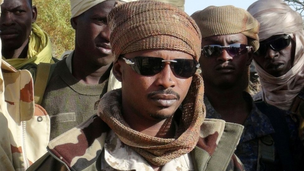 Chad, Mahamat names himself president