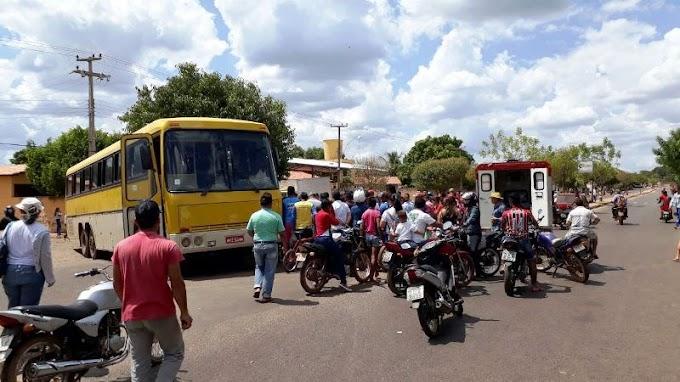 Colisão entre ônibus e moto deixa vítima fatal em Esperantina