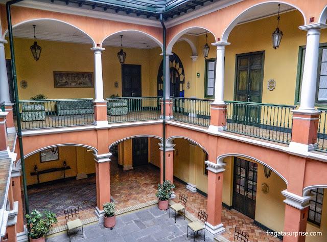 Pátio interno do Hotel de La Ópera, La Candelaria, Bogotá