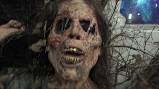UnrealPorn presenta 'Zombie': La pornostar Sarah Kay se convierte en una preciosa muerta viviente