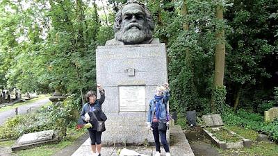 prats at Karl Marx grave