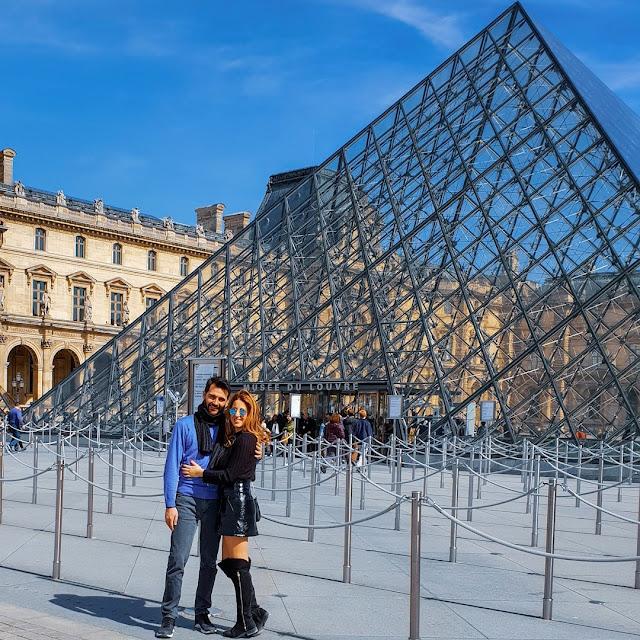 Parigi, Pyramide du Louvre. Alessia Siena
