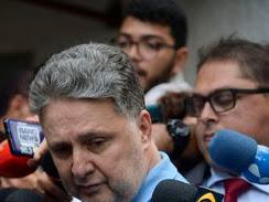 Preso, ex-governador Garotinho diz que é vítima de perseguição
