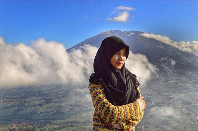 5 Tips Memilih Hijab Yang Nyaman Untuk Liburan Ala Selebgram