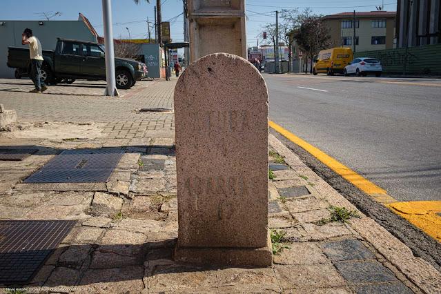 Marco da antiga Estrada da Graciosa na atual Avenida Prefeito Erasto Gaertner