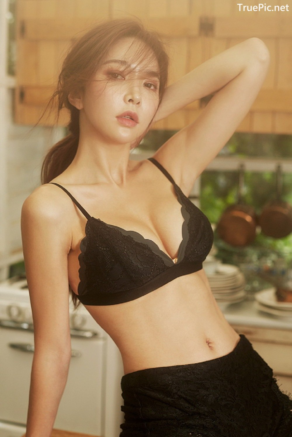 Image-Park-Soo-Yeon-Black-Red-and-White-Lingerie-Korean-Model-Fashion-TruePic.net- Picture-3
