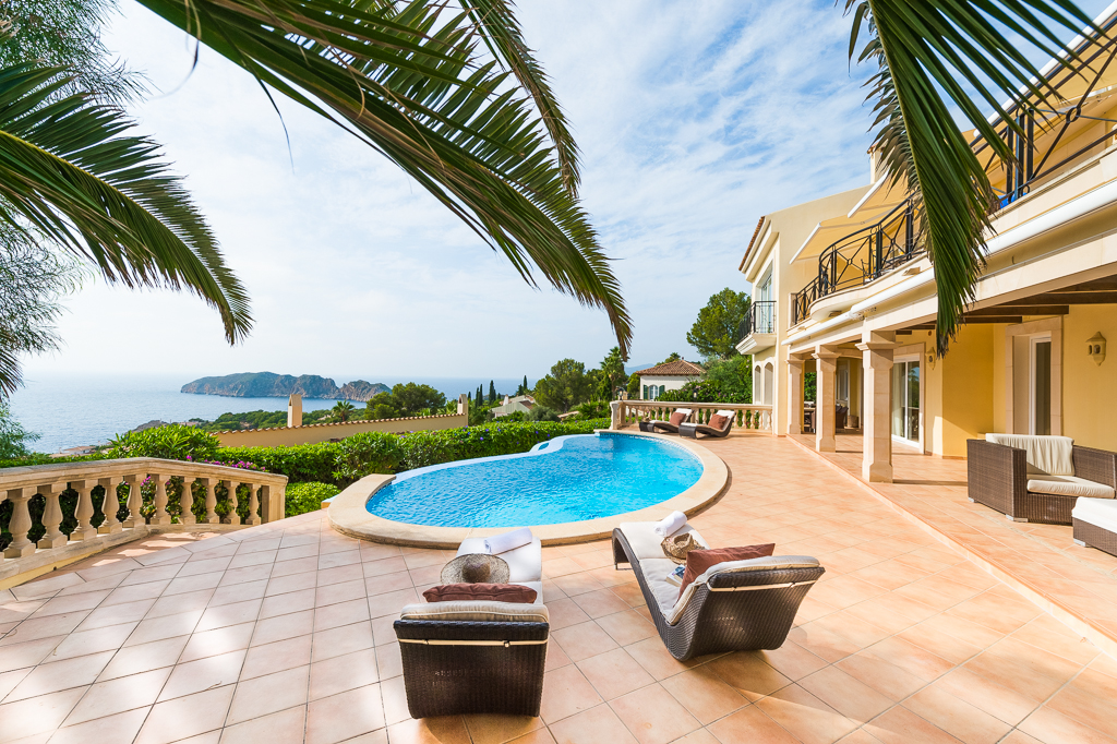 Luxury Villa Photography by Stephen Hyde