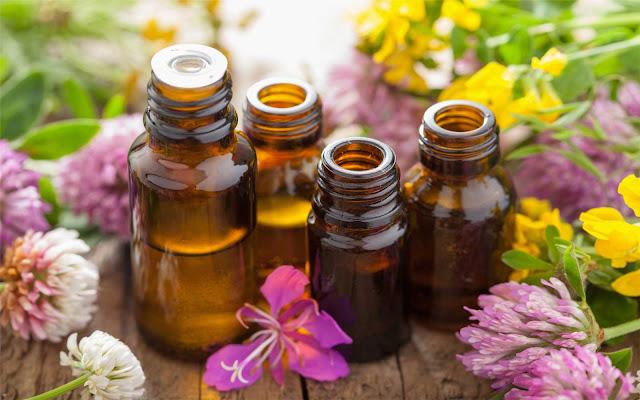 Huiles essentielles pour la peau et comment les utiliser