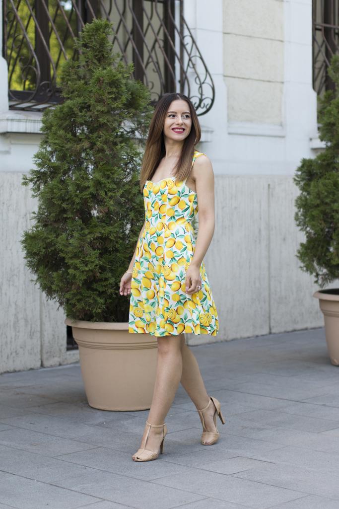 adina nanes fashion blogger