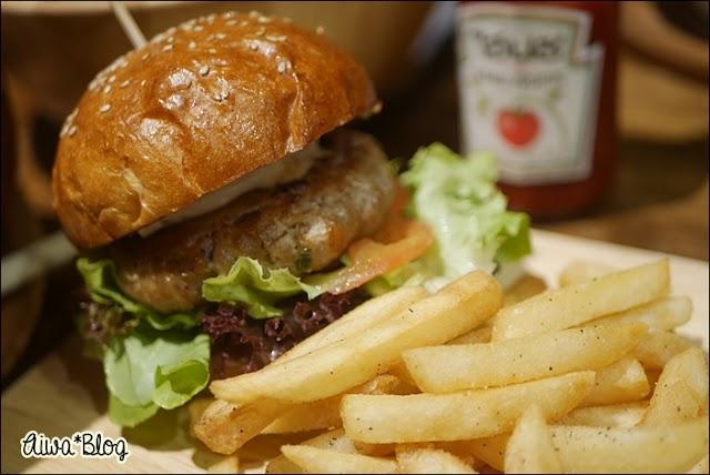 :: Cafe@Kokotel Surawong ร้านคาเฟ่น่ารัก สไตล์ญี่ปุ่น ::