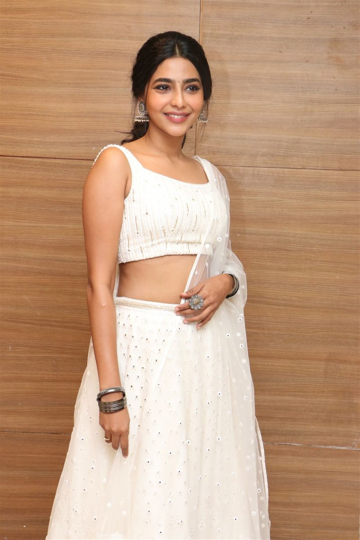 Actress Aishwarya Lekshmi Photos